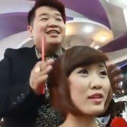 Myślałem że to zwyczajny fryzjer dopóki nie zobaczył czego używa do strzyżenia