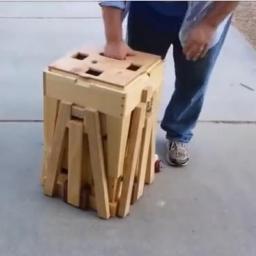 Zobacz, co kryje w sobie ta drewniana skrzynia... Genialny pomysł!