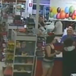 Zobacz co się stało po tym, jak ta matka oddała swoje dziecko w ręce zupełnie ob