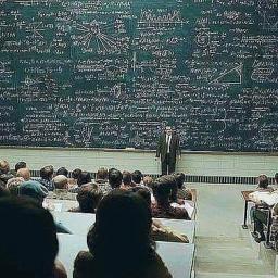Profesor filozofii zadał studentowi pytanie na temat Boga, to co usłyszał ścięło