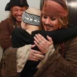 Johnny Depp postanowił zaskoczyć swoich najmłodszych fanów i... Zobaczcie, jakie