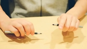 To co ci chłopcy wyprawiają używając długopisów jest niespotykane