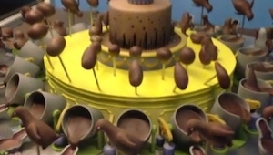 Ten tort wygląda niesamowicie, jednak to co się stało gdy nim zakręcili jest nie