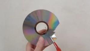 Zaczął wycinak starą płytę CD, gdy skończył? GENIALNE!