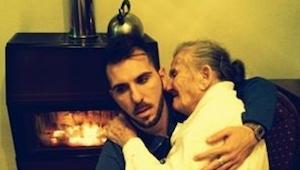 To co ten chłopak robi dla swojej babci jest przepiekne!
