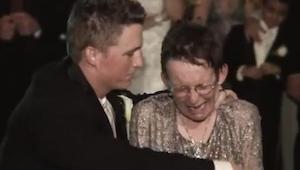 Jego mama cierpi na ALS i nie mogła zatańczyć na weselu syna. To co zrobił pan m