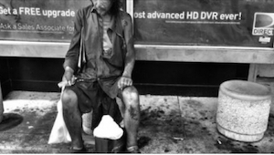 Fotografowała bezdomnych w Honolulu, kiedy dokonała szokującego odkrycia!