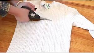 Pocięła stary sweter. Końcowy efekt? Jest tak świetny, że też MUSZĘ to zrobić.