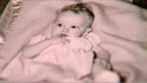 W 1955 roku znalazł w lesie porzuconego noworodka. 58 lat później pewien policja