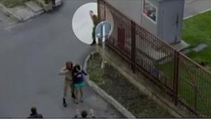 Kiedy ten mężczyzna zauważył zakładniczkę, nie zawahał się wkroczyć do akcji!