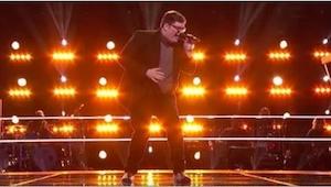 Pojawił się na scenie, by zaśpiewać piosenkę Adele, a już w 1:08 występu jury ni