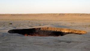 Może nie słyszeliście za wiele o Turkmenistanie, ale to tam znajdują się... drzw