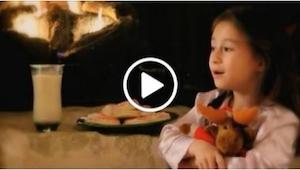 Dziewczynka śpiewa Blue Christmas w sposób, który zachwyca. A powód, dla którego