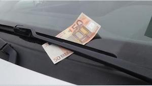 Uwaga! Złodzieje mają nowy sposób na to, jak ukraść Wasze auto. Nie dajcie się o
