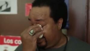 Zwabili dozorcę do sali gimnastycznej. Gdy tylko wszedł nie mógł powstrzymać łez