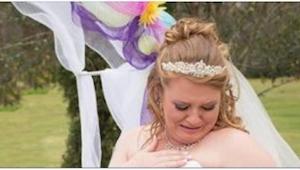 Kiedy zobaczyła TO na swojej sukni, wiedziała, że to jej zmarła córka daje jej z
