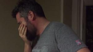 Popatrzył na swoją małą córeczkę i musiał odwrócić wzrok. Zobacz co go tak zszok