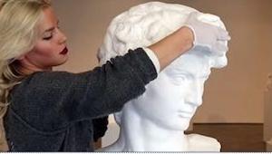 Choć w galeriach sztuki nie wolno dotykać rzeźb, te... po to zostały stworzone!