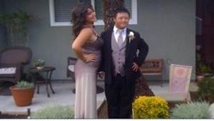 Chłopak z zespołem Downa zaprosił na bal pewną dziewczynę. To, co w odpowiedzi n