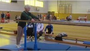 Ta 86-latka występuje na zawodach! To, co dzieje się od 11 sekundy nagrania zapi