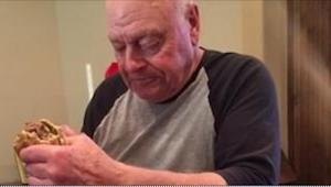 Dziadek gotuje dla swoich 6 wnuków. To, co się stało 30 minut później, doprowadz