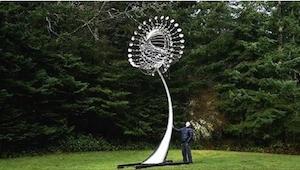 To, co zaraz się stanie z tą dziwną rzeźbą z metalu, wprawi Was w zdumienie! Hip