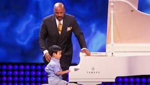 Nikt z publiczności nie spodziewał się że ten czterolatek ma aż taki talent! Nie