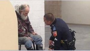 Policjant miał wyprowadzić bezdomnego ze sklepu. To, co zrobił zamiast tego, jes