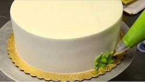 To, że ozdobiła ten tort tylko w dwie minuty, wydaje się nieprawdopodobne! A zob