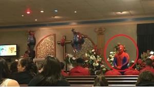 Spiderman przyszedł na pogrzeb małego chłopca, powód złamał mi serce... Nie powi