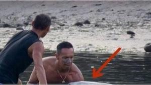 Surfer usłyszał dziwny odgłos dobiegający spod wody. To, co potem robił przez 6