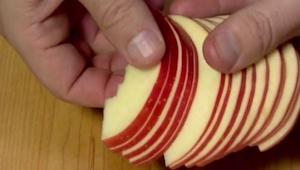 Pokroił jabłko na plasterki, gdy zobaczyłam to co otrzymał nie mogę przestać się