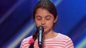 Jurorzy nie byli pewni czy usłyszą cokolwiek z ust tej dziewczyny, jednak gdy za