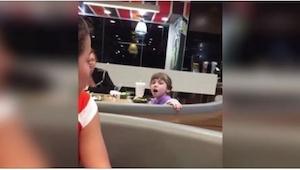 W McDonaldzie byli świadkami nietypowego zajścia... Zobaczcie, co zrobiła ta dzi