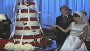 Zaczęli kroić tort. Nie spodziewali się, że to się skończy w TAKI sposób!