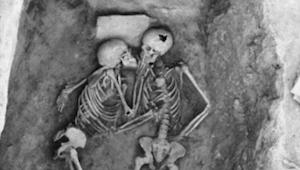 Para została zakopana żywcem. Po 2800 latach naukowcy odkryli coś naprawdę niezw