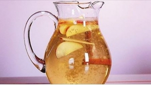 Chcecie w zdrowy sposób zgubić kilka kilogramów? Pijcie cynamonową wodę!
