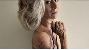 Zastanawialiście się kiedyś, jak wyglądają osoby pokryte tatuażami na starość? E