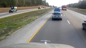 Takie zachowanie na drodze to skandal! Zobaczcie co zrobił ten kierowca!