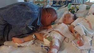 Ojciec pocałował swoją umierającą córeczkę na pożegnanie. 2-latka została brutal