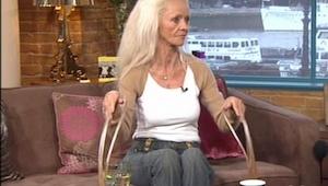 Przez 30 lat zapuszczała paznokcie. Straciła je w ułamku sekundy!