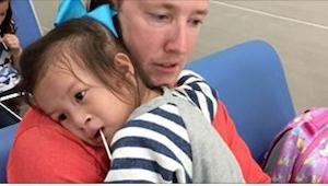 Rodzice zniszczyli życie jednemu dziecku po tym, jak adoptowali dziewczynkę z ch
