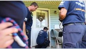 Otwierając drzwi opuszczonemu domu, nie byli przygotowani na TAKI widok...