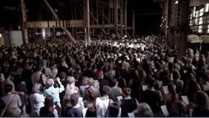 To absolutnie magiczne wykonanie TEJ piosenki! Zaśpiewało ją aż 1500 osób!
