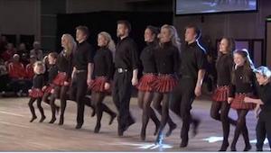 12 rodzeństwa zaczyna tańczyć, a gdy do tego zagrają na instrumentach... Niesamo