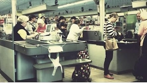 Historia z życia wzięta - młoda matka stała w kolejce w supermarkecie. Gdy usłys