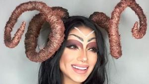 Ta artystka opublikowała serię zdjęć w osobliwych makijażach. Kiedy zobaczyłam c