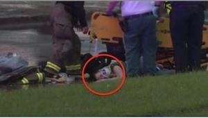 Gdy ratownicy przyjechali do kobiety, która spadła z mostu, nie spodziewali się,