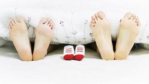 W nocy masz zwyczaj odkrywać stopy? Dowiedz się, dlaczego to nieświadomie robisz