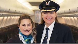 Po 4 latach przyjaźni, pani pilot poznała sekret, który stewardessa ukrywała prz